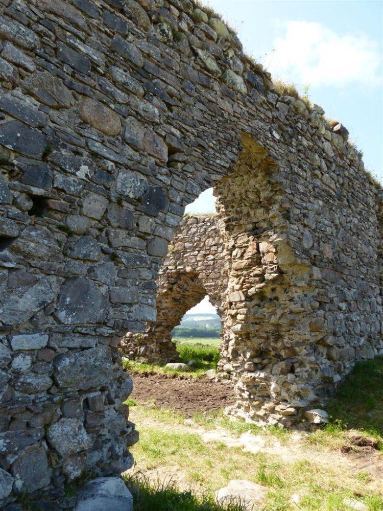 Castle Roy's main and side entrances